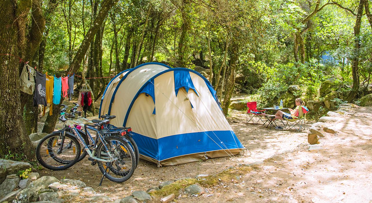 TENT HOLIDAYS – FREE CAMPING OR CAMPING?